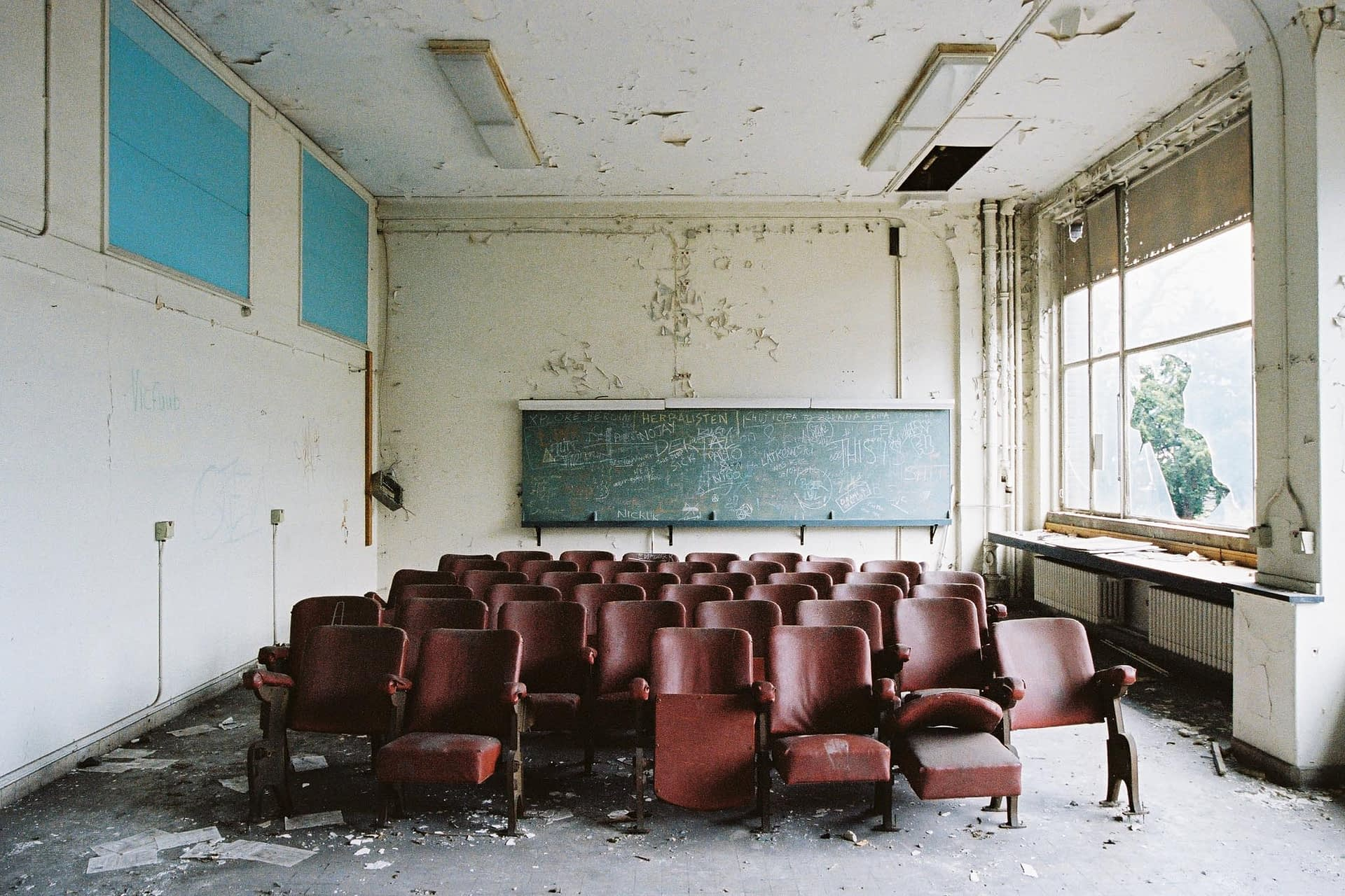 The lost university abandoned in Belgium 05
