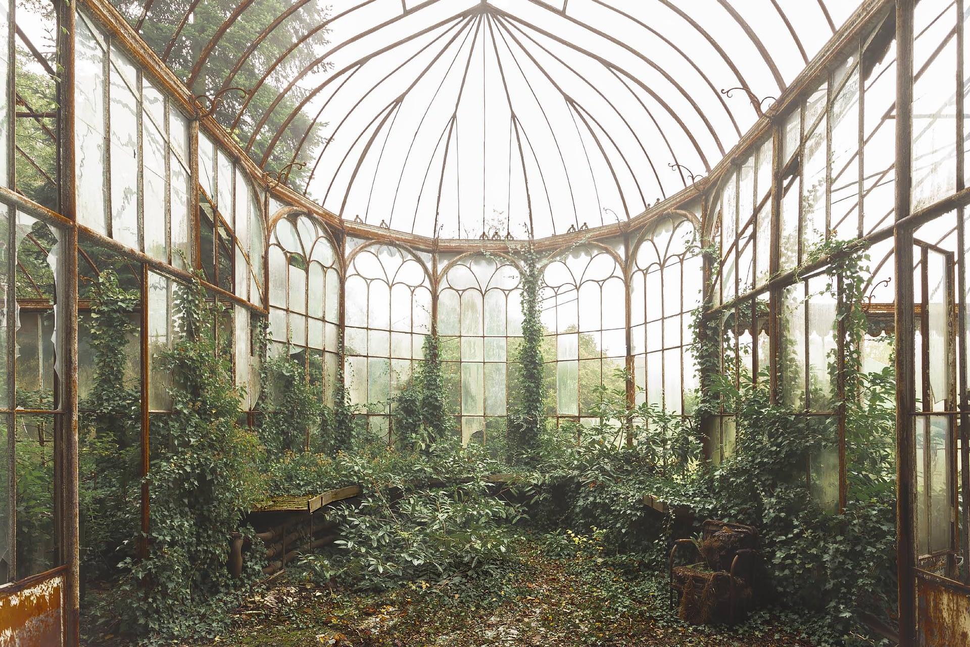 abandoned in Belgium The summer garden